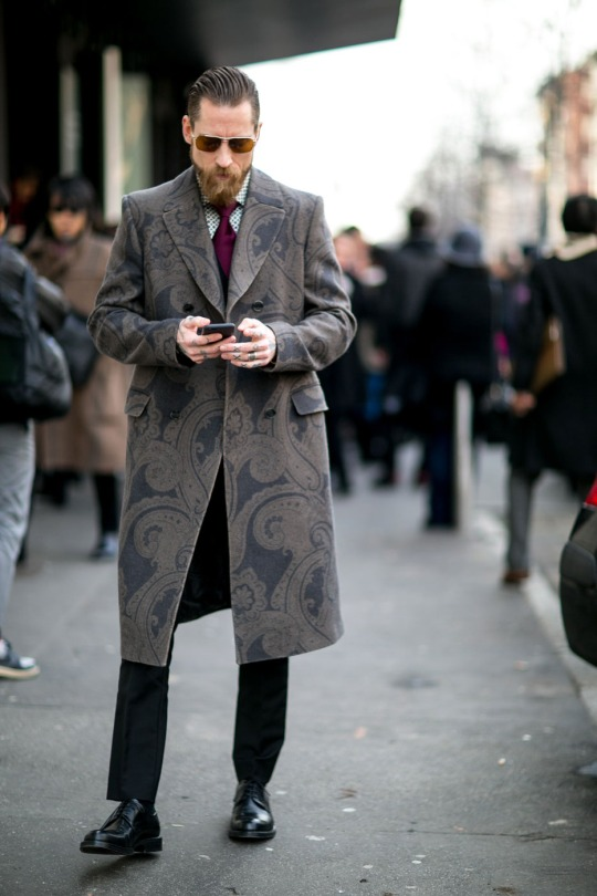 dapper-report-vol-11-43-oshea-large-paisley-print-coat
