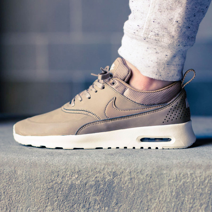 nike wmns air max thea premium desert camo soletopia. Black Bedroom Furniture Sets. Home Design Ideas