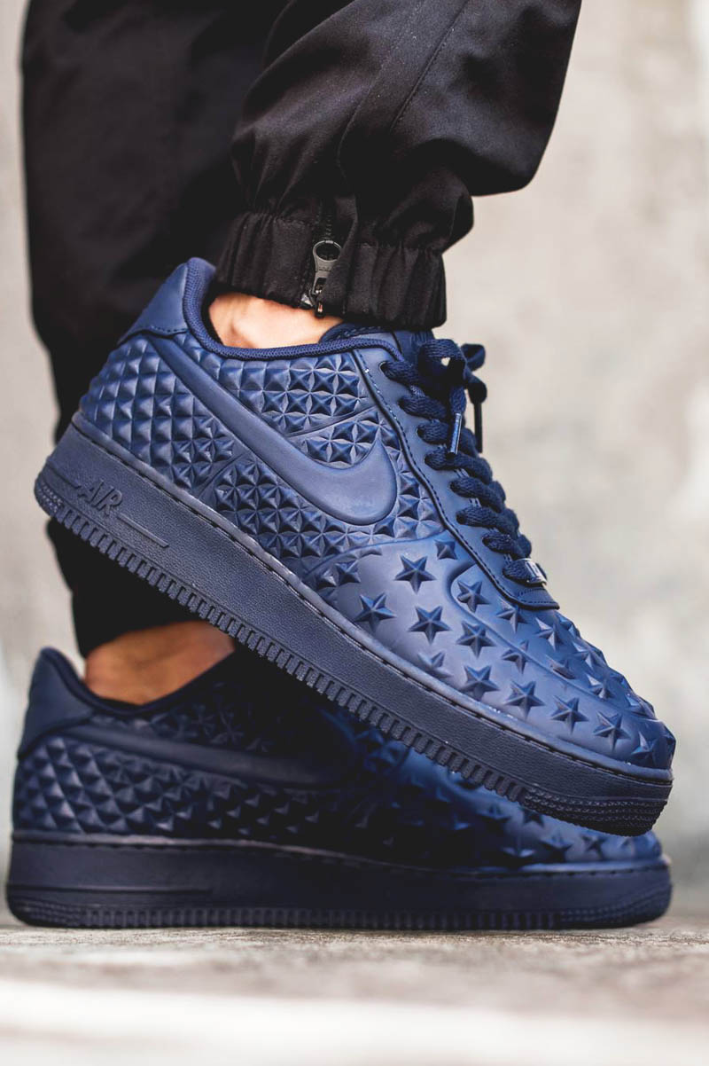Embossed stars #sneakers