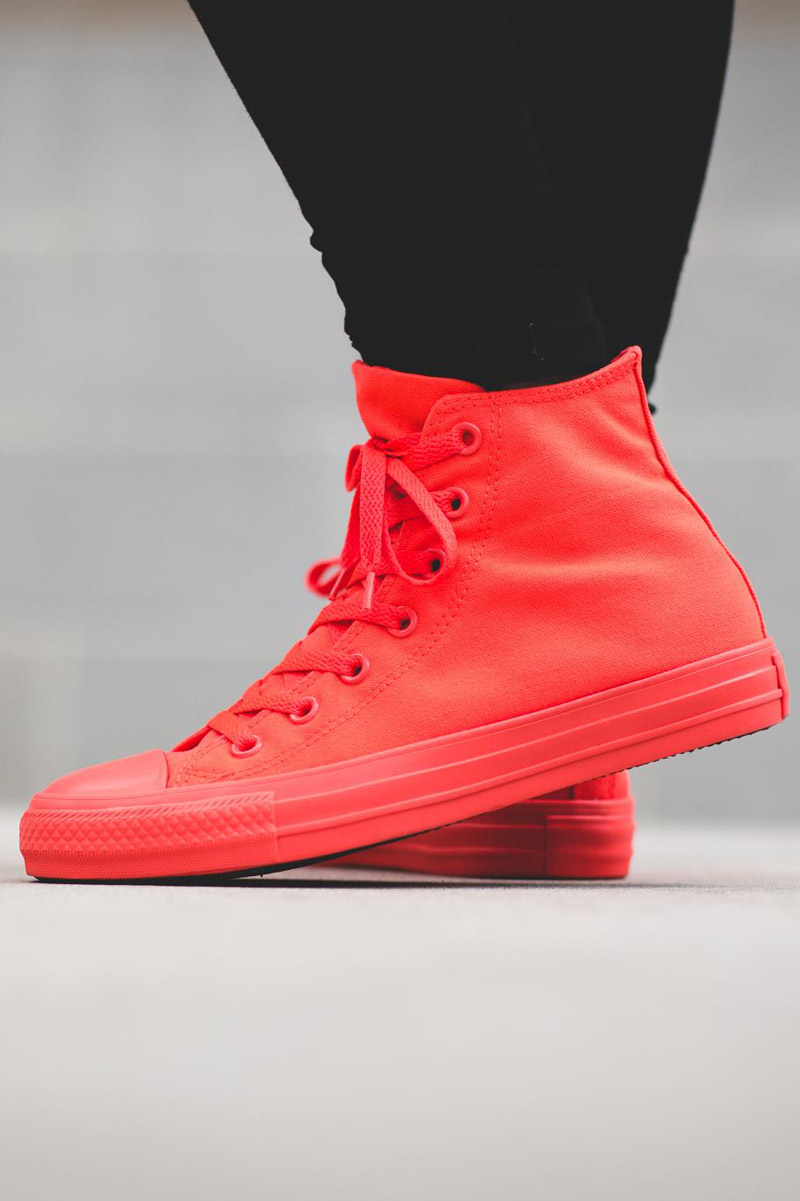 Bright crimson uppers...and sole...and toe cap!!! #wow #sneakers #converse #allstar #fashion