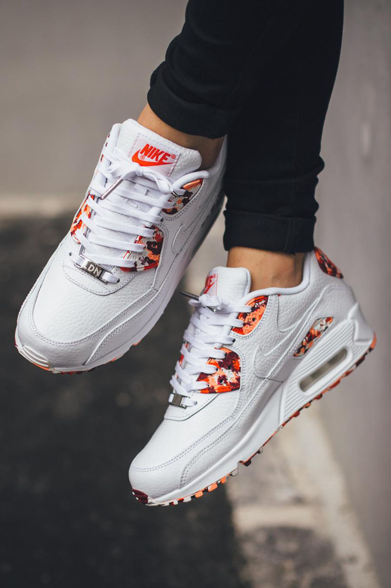 nike air max 90 london women's shoe