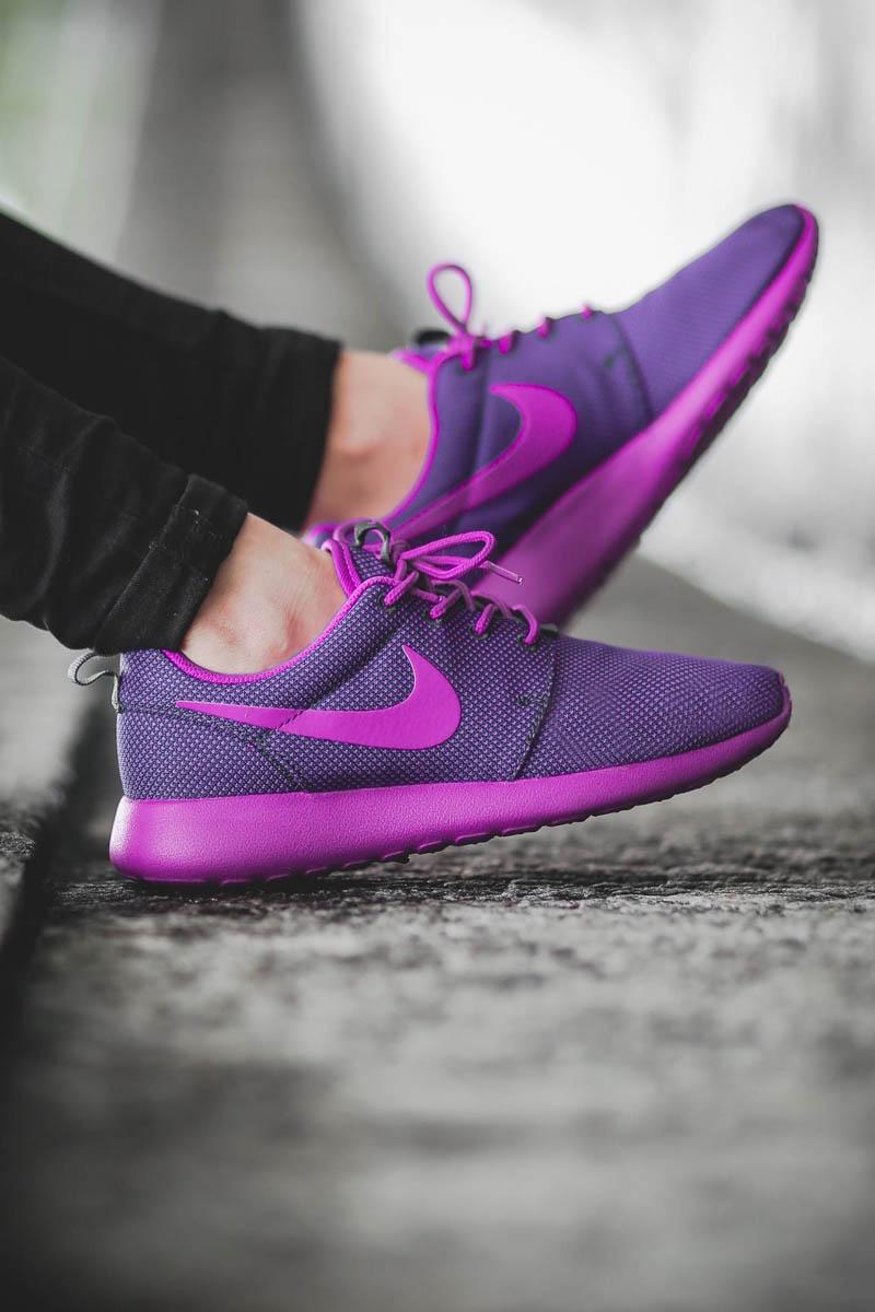 new styles 281c8 df245 NIKE wmns Roshe One Vivid Purple | SOLETOPIA
