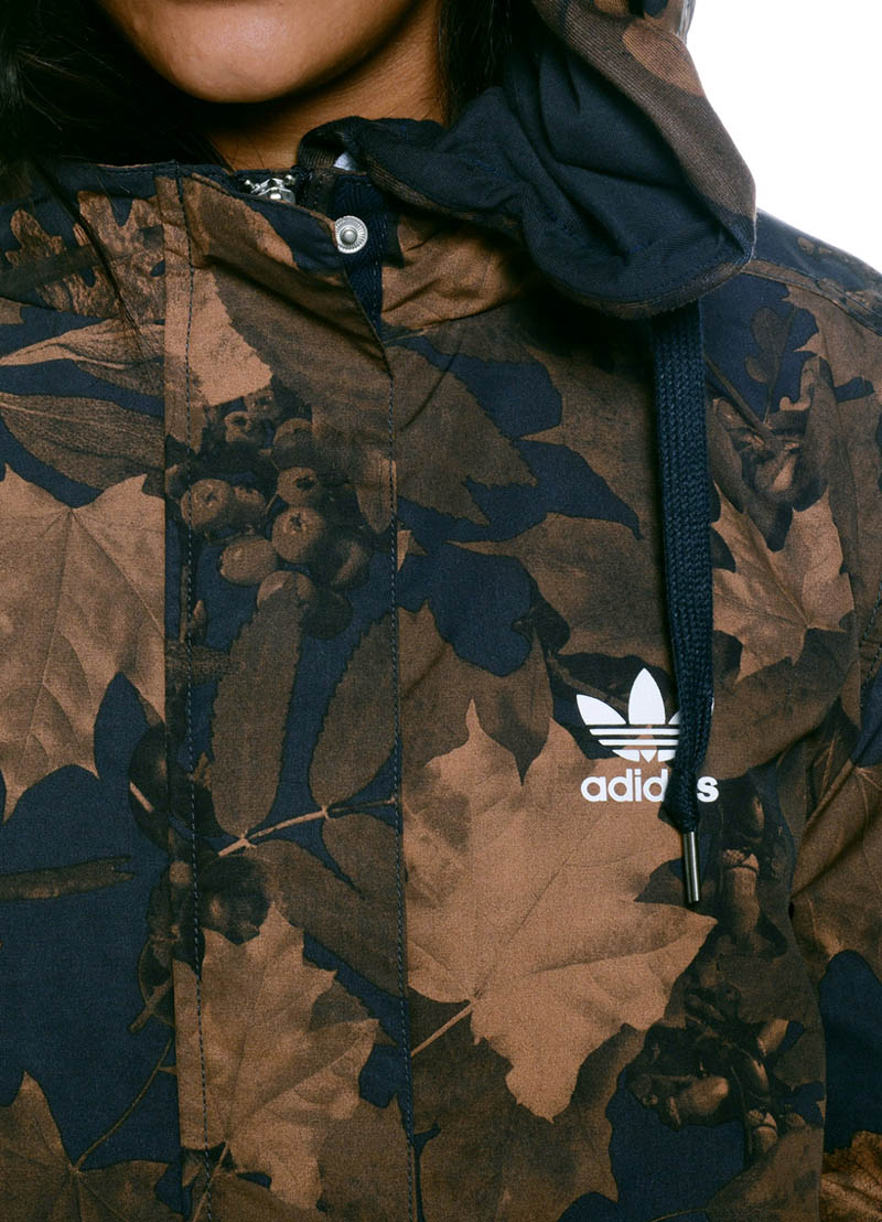 Leaf print camo uppers on this lightweight women's parka. #camo #adidasOriginals #womenstyle