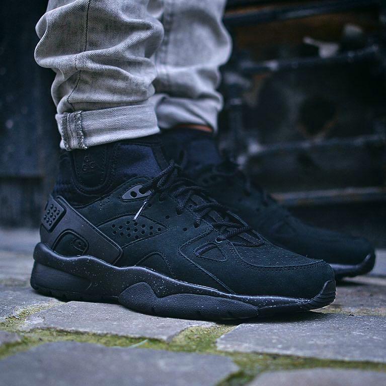 MOWABB #nike #sneakers #black