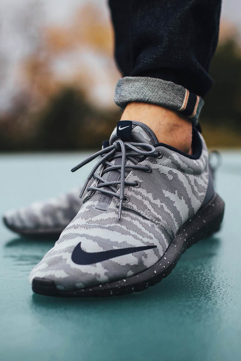 NIKE Roshe Cool Grey