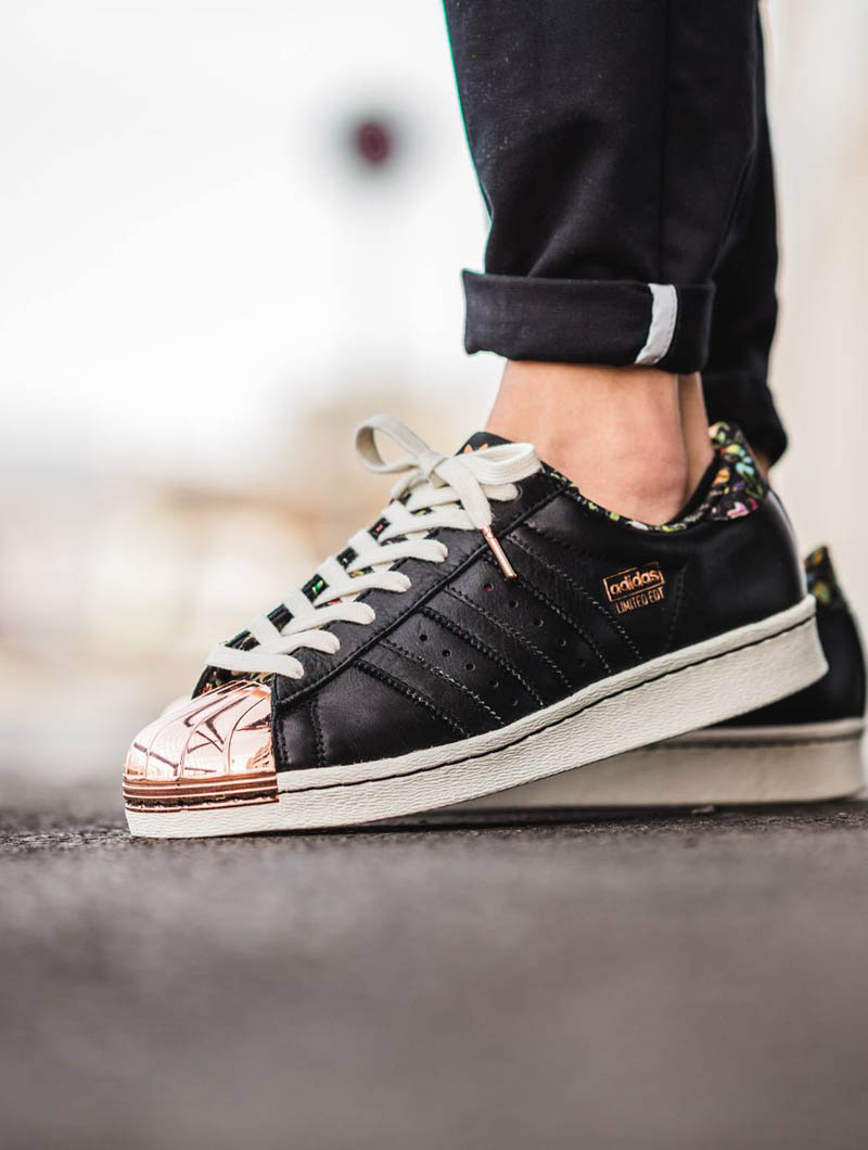 aqqxy LIMITED EDT. × ADIDAS Superstar 80v Rose Gold | SOLETOPIA