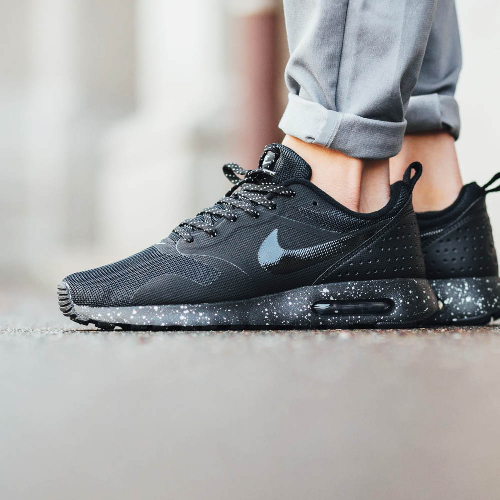 NIKE Air Max Tavas SE #black #metallic #sneakers