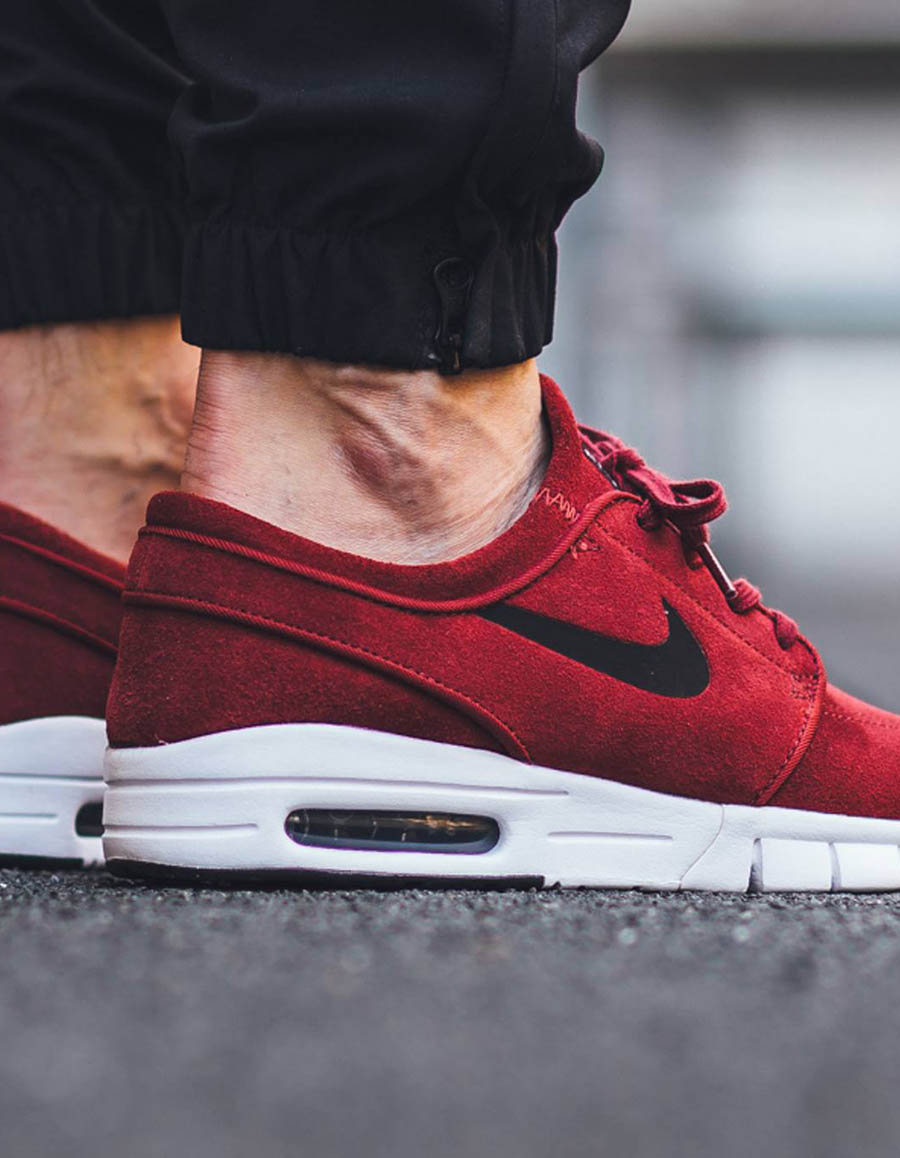 differently 91cc6 4a792 NIKE SB Stefan Janoski Max Red Leather  SOLETOPIA