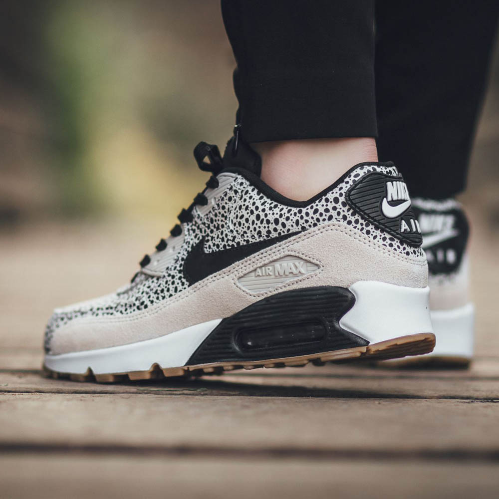 NIKE wmns Air Max 90 Premium LB Gets Dotted | SOLETOPIA