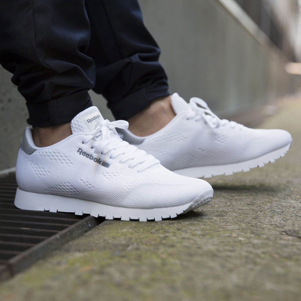 Classic Runner gets the #mesh #reebok #clean #minimalist