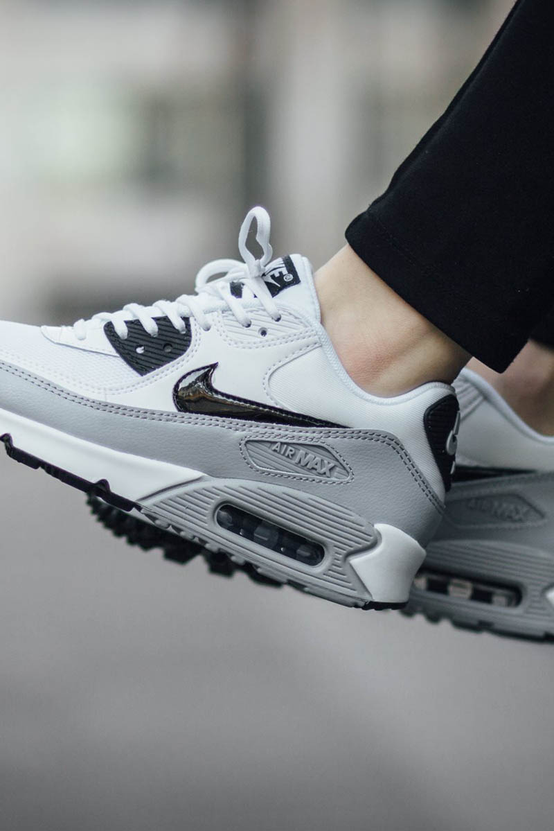 white and grey air max 90
