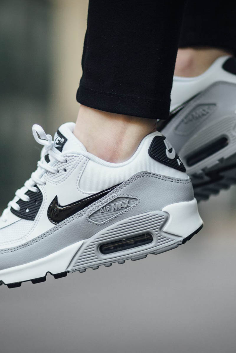 the stunning nike air max 90 essential in white grey soletopia. Black Bedroom Furniture Sets. Home Design Ideas