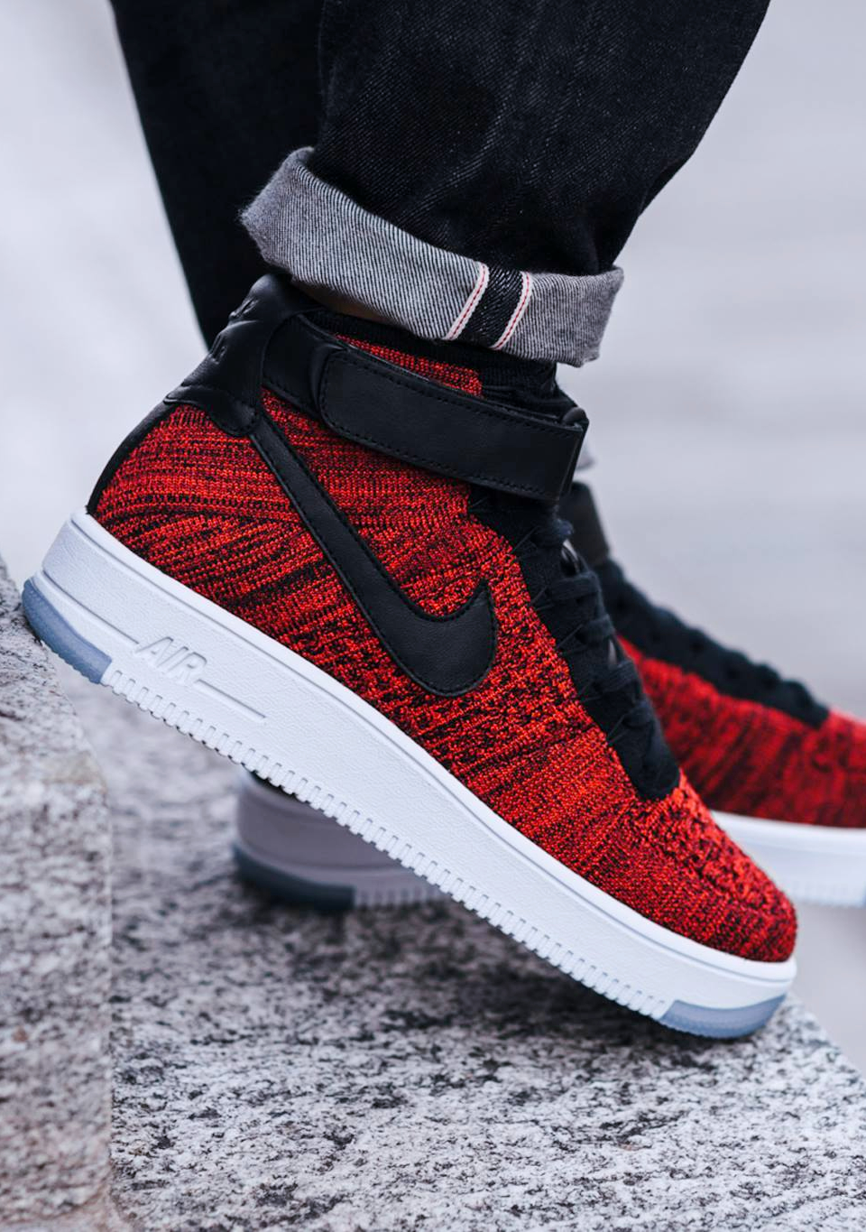 red nike air force 1 flyknit