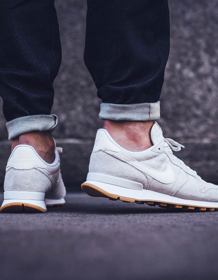 nike-internationalist-premium-phantom-white-1