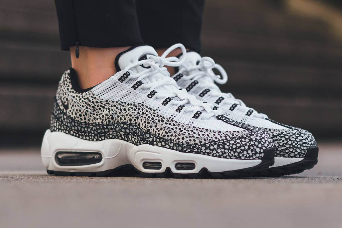 meet 2a846 30cac NIKE Air Max 95 Premium with Dot Pattern Black & White ...