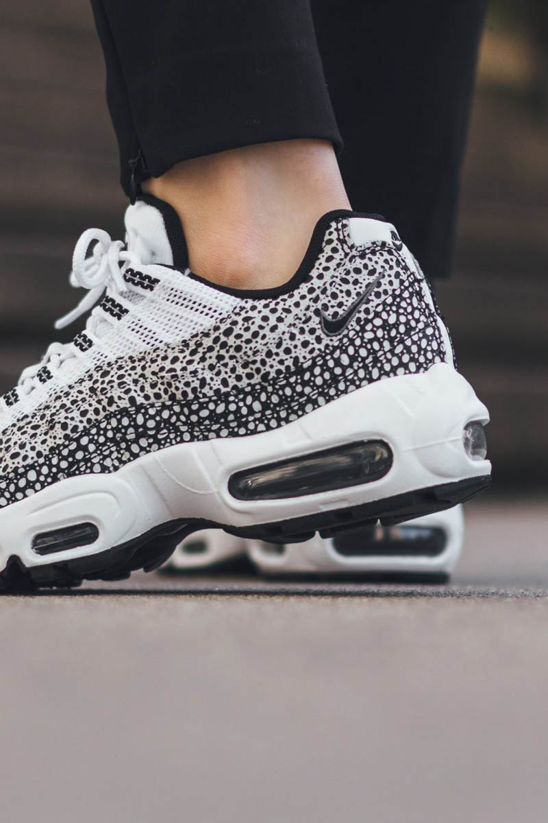 Nike Air Max Black And White Pattern