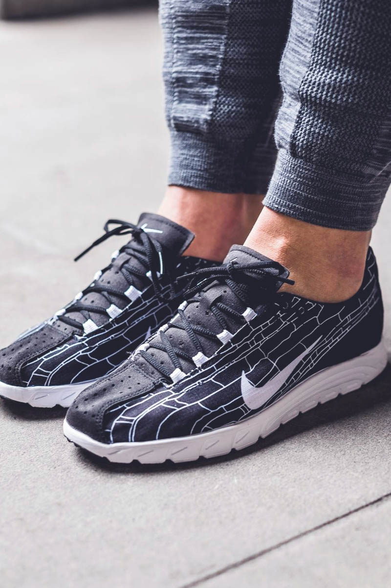 finest selection bd7c2 c3d20 NIKE Mayfly bw  sneakers
