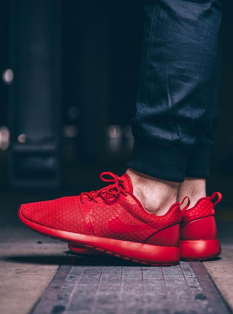 huge selection of 34a7f 013f7 Uni Red Roshe One Hyperfuse