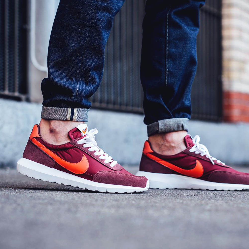 Three new colorways of the Roshe Daybreak NM have dropped!
