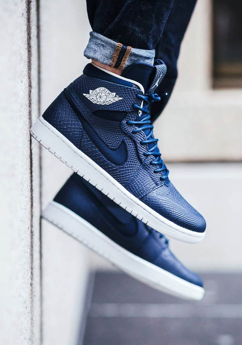 AIR JORDAN 1 Retro High Nouvea Midnight Navy