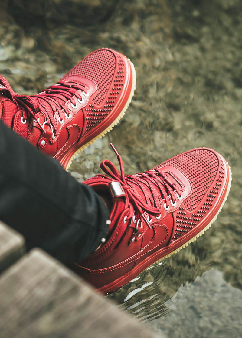 NIKE Lunarforce 1 Duckboot Red