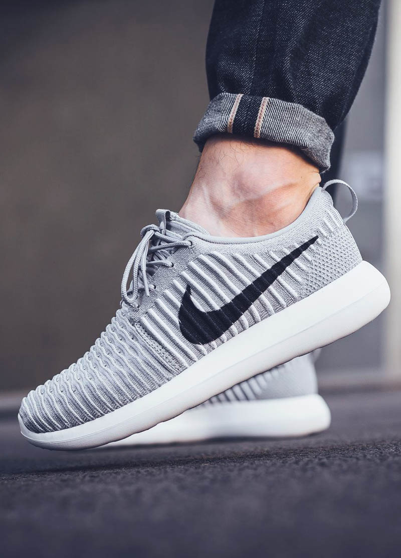 The Nike Roshe Two Flyknit is a memory foam mattress for your feet