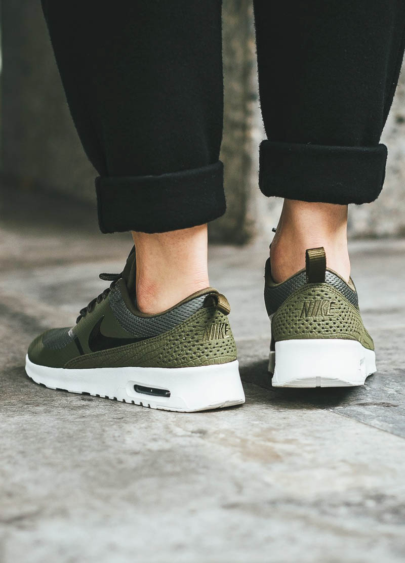 NIKE Wmns Air Max Thea Olive × Summit White FW16 | SOLETOPIA