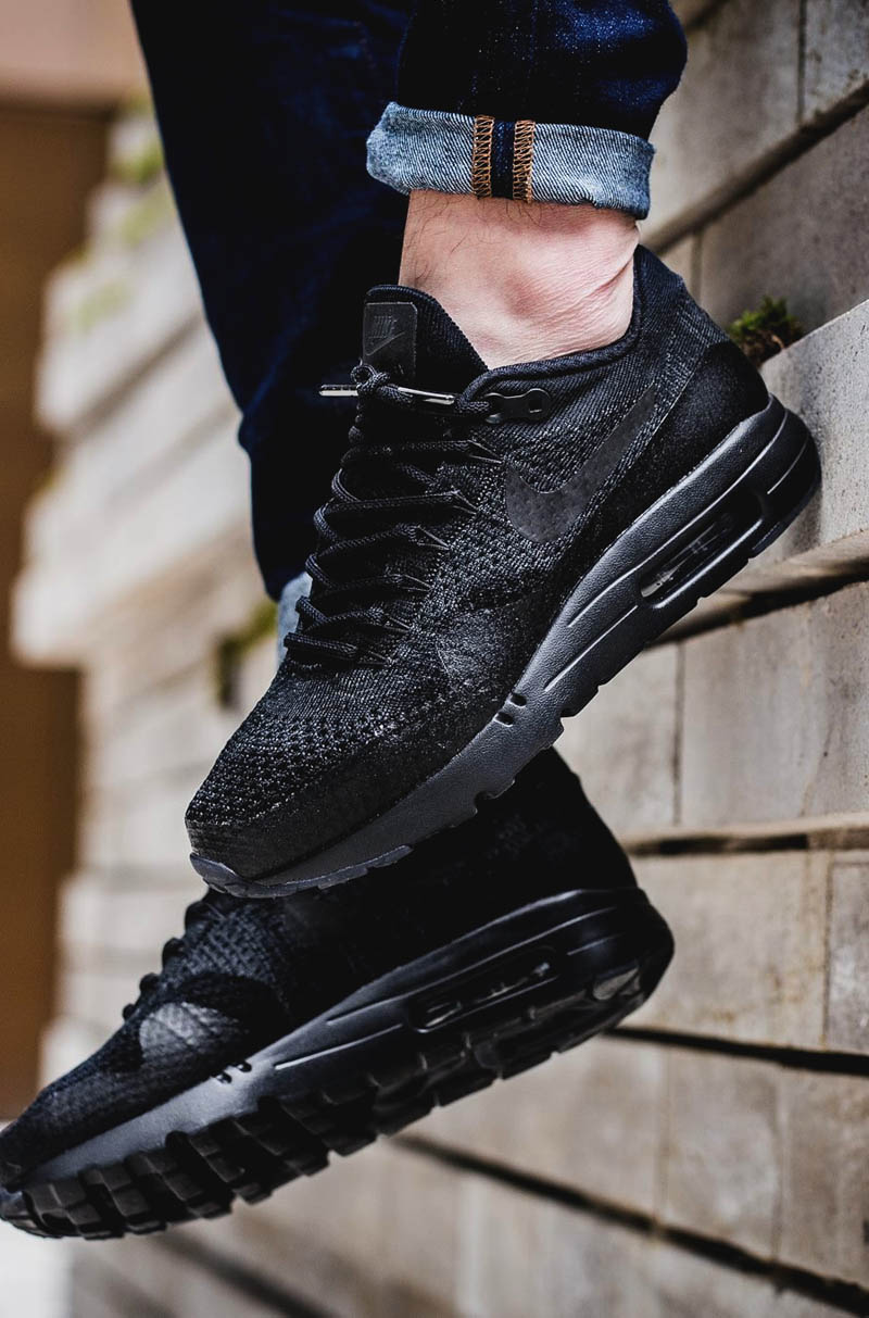 NIKE Air Max 1 Ultra Flyknit Blackout
