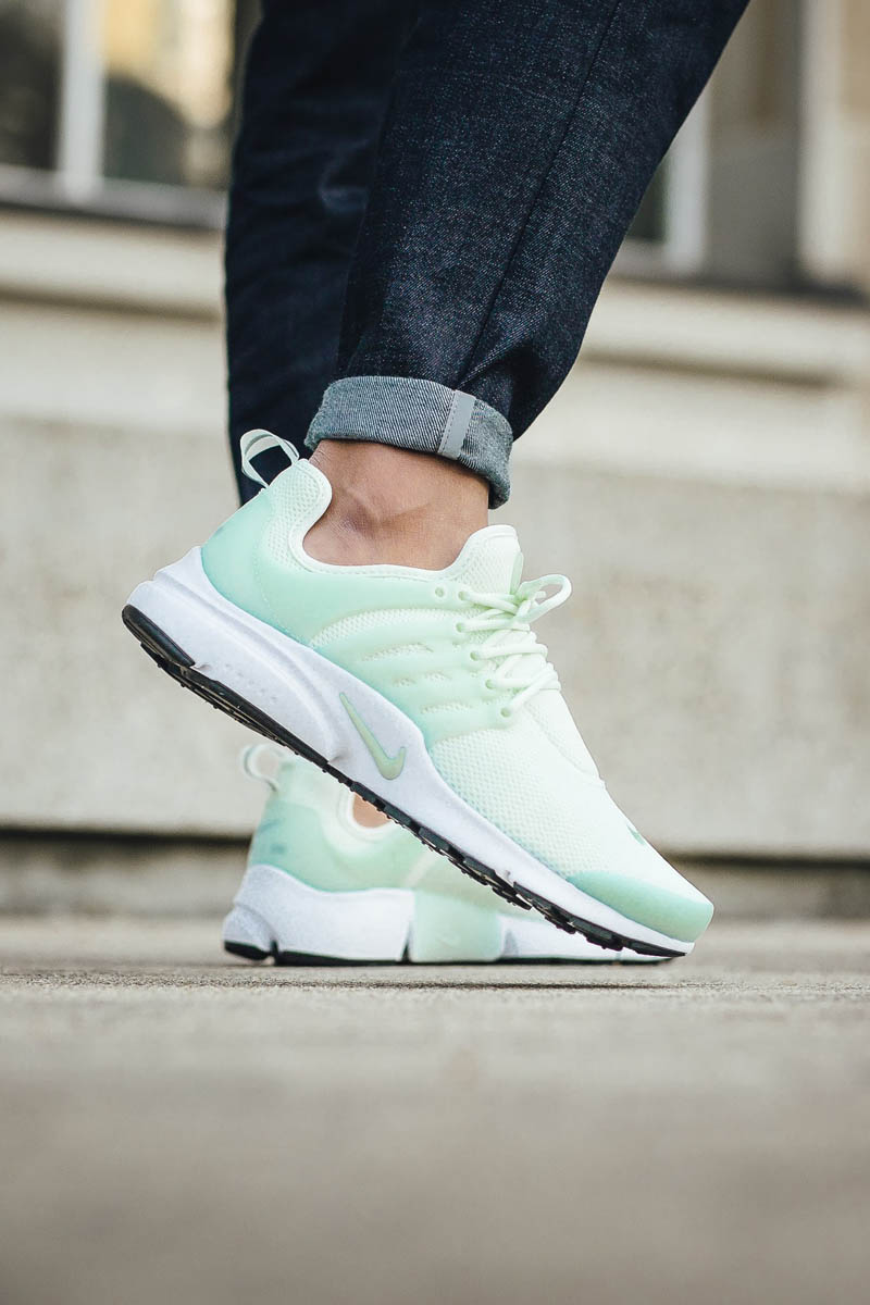 NIKE w Air Presto 'Barely Green'