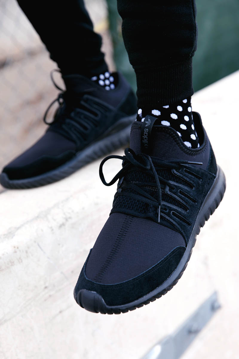 Black Tubular Nova x Polka Dot Socks