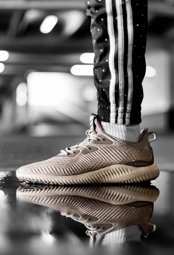 ADIDAS AlphaBounce, Brown
