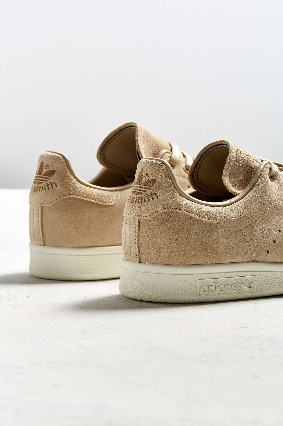New premium look, same great shoe. #stansmith #adidasoriginals