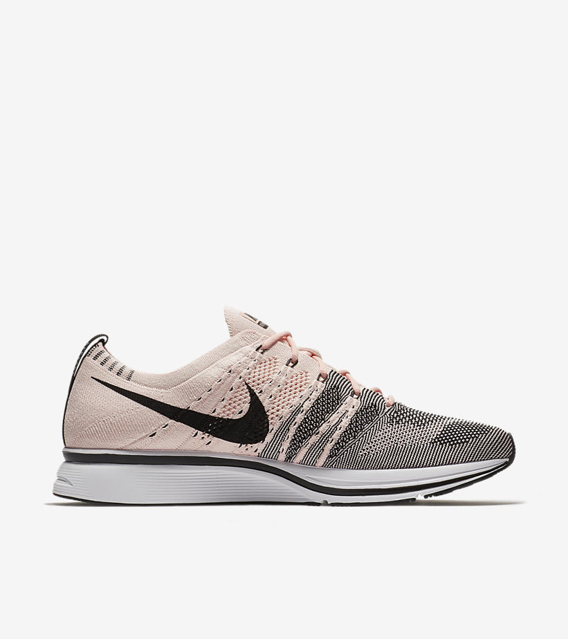 nike-flyknit-trainer-sunset-tint-side