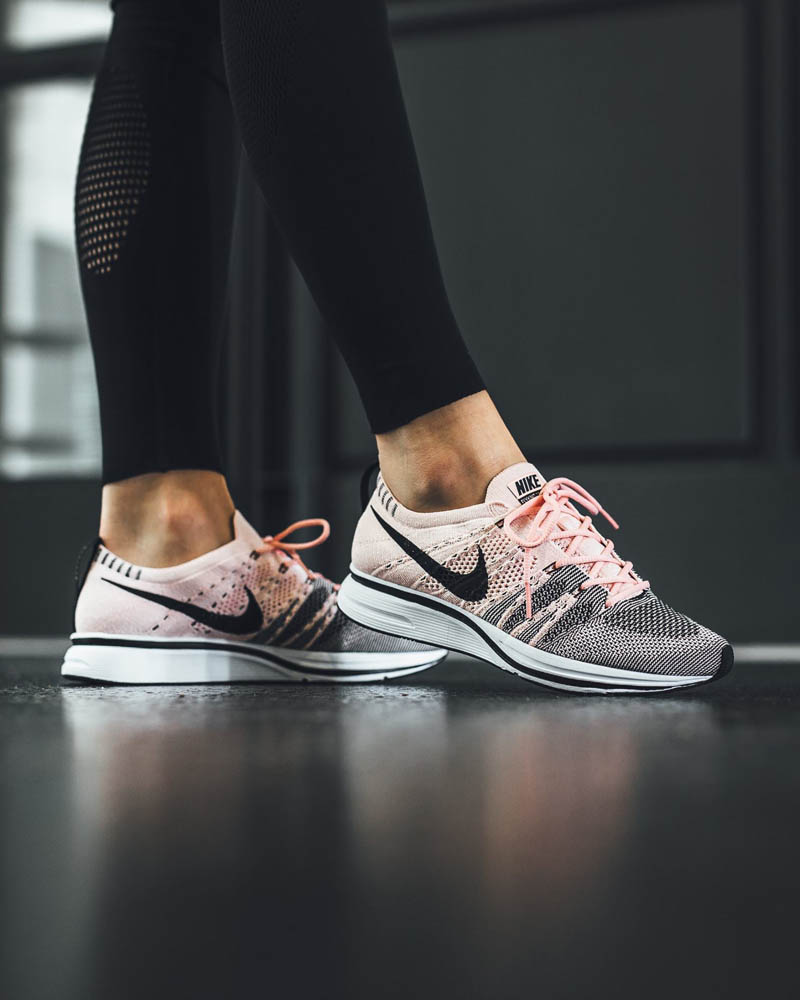 nike-flyknit-trainer-sunset-tint-woman
