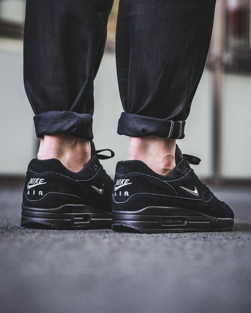 the best attitude f8d95 c4cb7 What you should hate about the latest NIKE Air Max 1 Premium Jewel