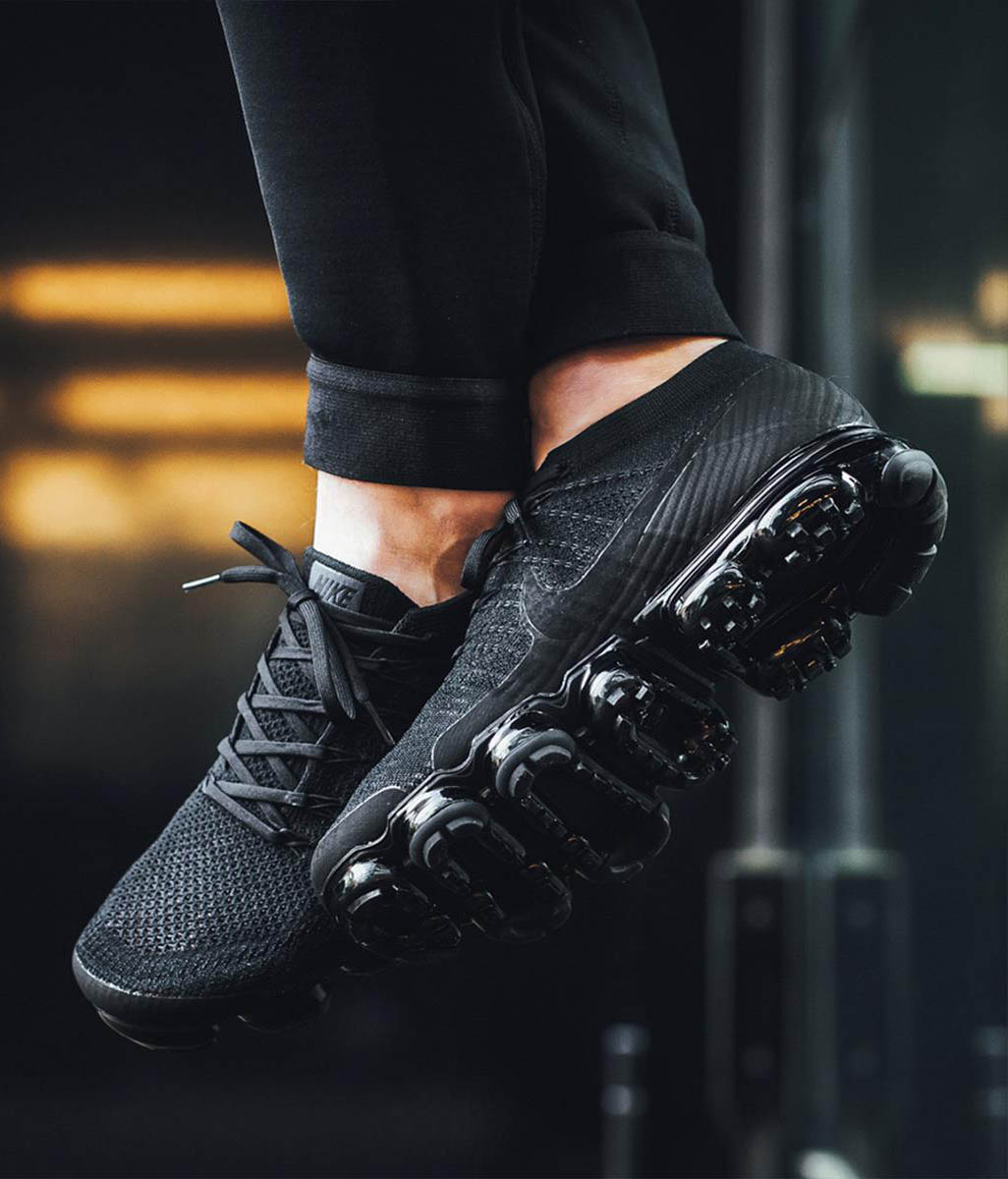 NIKE Vapormax Black Hole